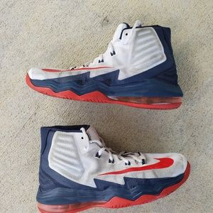 NIKE AIR MAX AUDACITY Basketball Shoes, 8.5